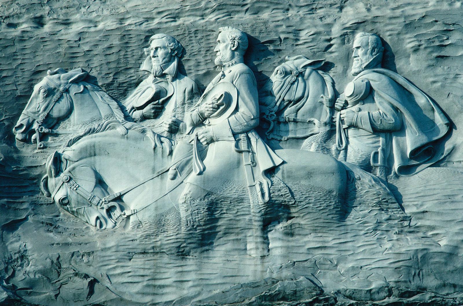 carving-leaders-Confederate-Robert-E-Lee-Jefferson