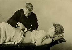 Doctor treatment of woman