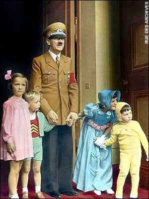 Hitler_with_children_color